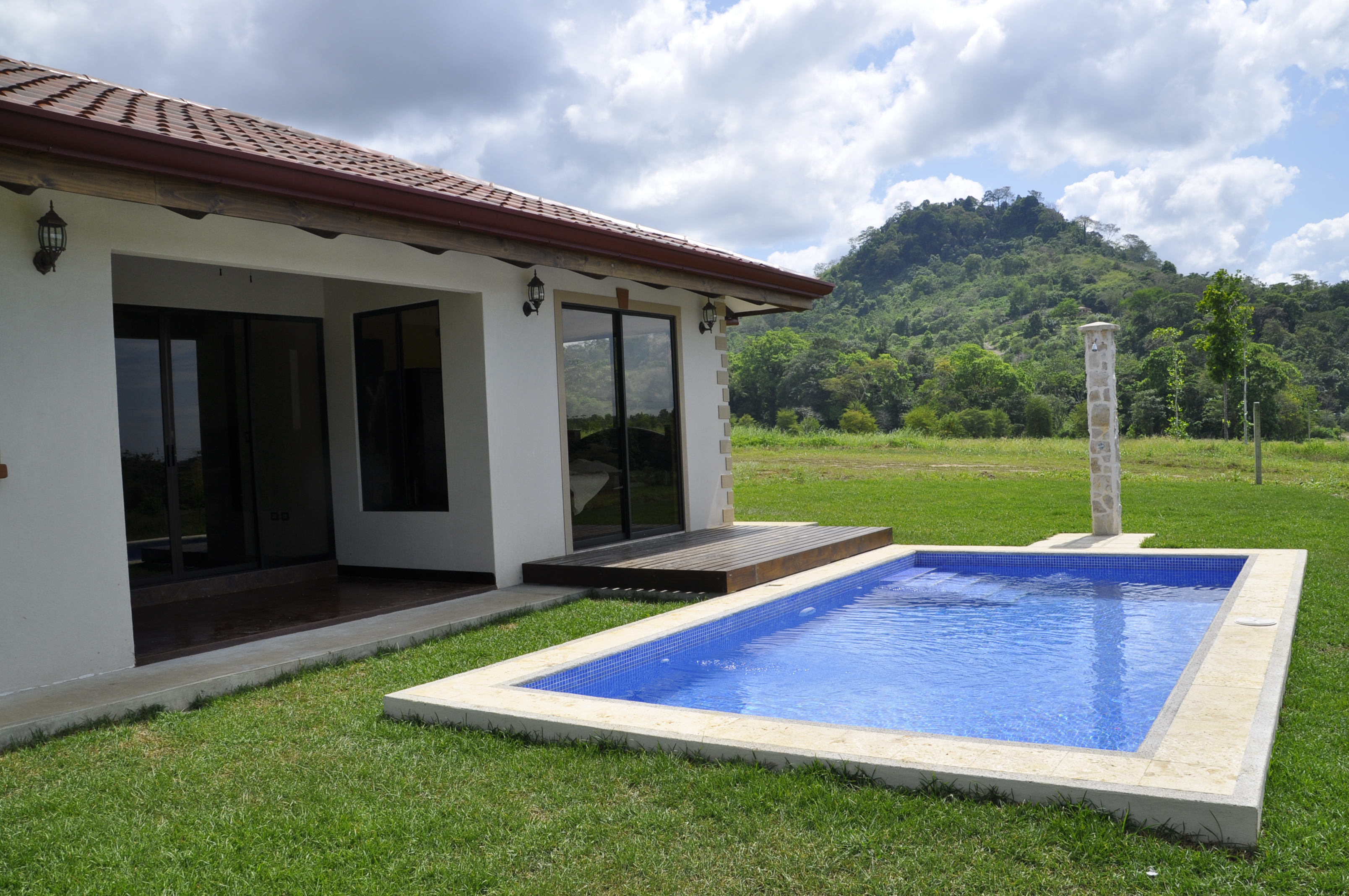 Costa rica house rental pool for Villas for rent in costa rica